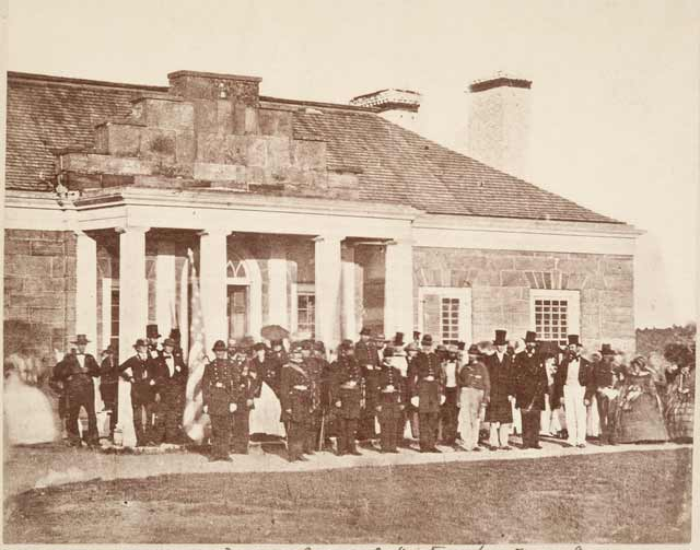 Officers of the 1st Minnesota Volunteers standing in front of the commandant's quarters, May 1861. Source: MNHS Collections.