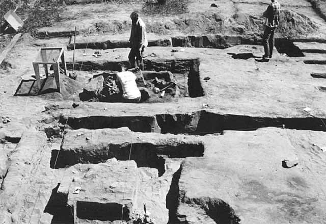 Archaeological work at the Snake River Fur Post, 1964.