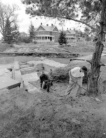 Archaeological dig at the site of the Powder Magazine, Fort Snelling, 1958. Source: MNHS Collections.