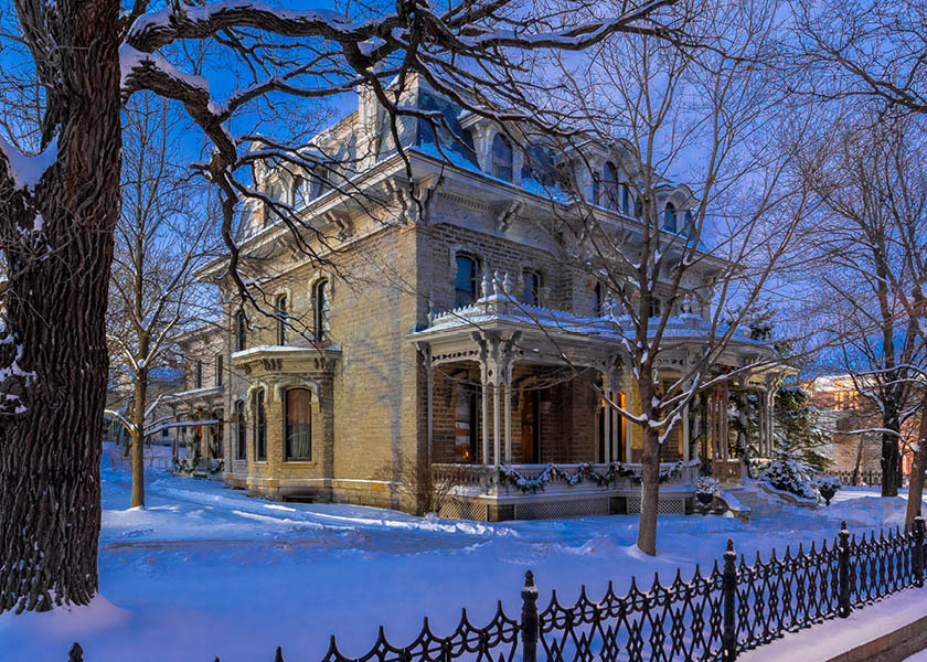 Alexander Ramsey House with snow on the ground.