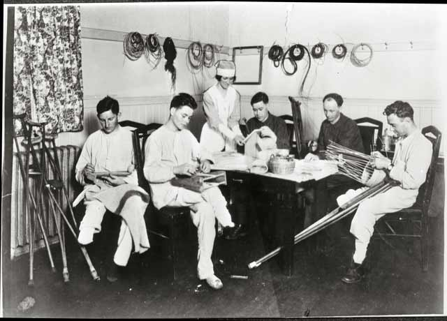 Wounded soldiers learning crafts at General Hospital 29, 1919. Source: MNHS Collections.