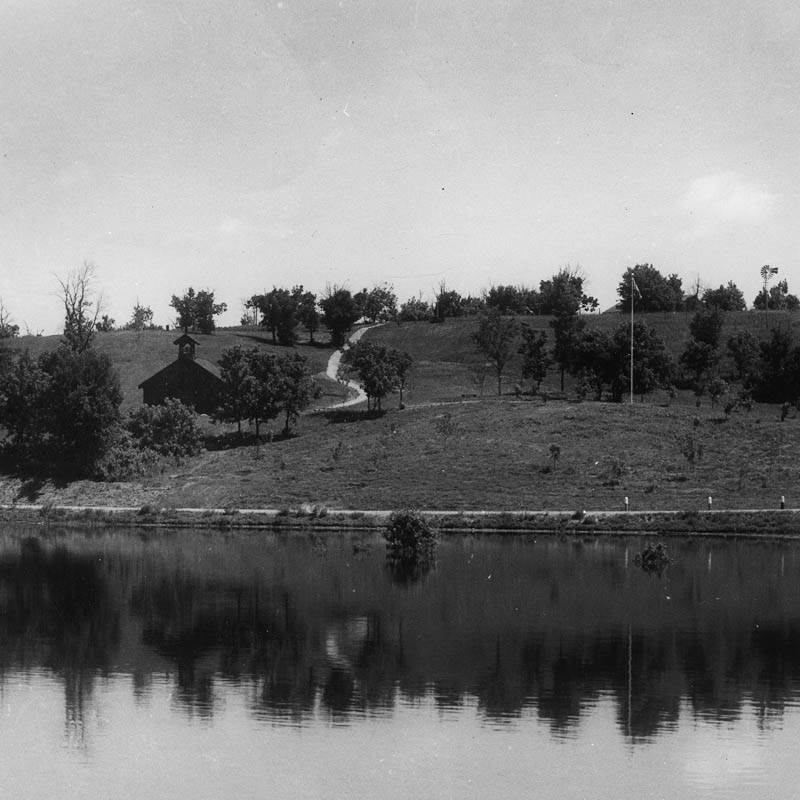 Black and white photo of Lac quiParle lake.