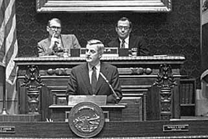 Vice-President Walter Mondale addressing a joint session of the House and Senate; Senator Jack Davies and Representative Harry Sieben Jr. presiding.