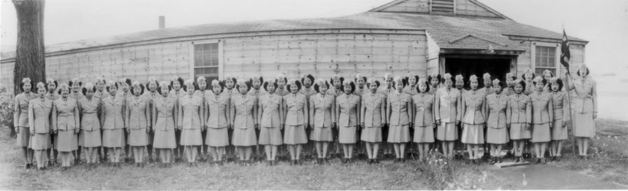 Nisei Women's Army Corps (WAC) detachment at Fort Snelling, about 1945. Source: Densho Digital Repository.