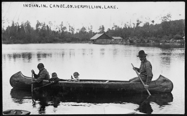 Unidentified Ojibwe family in canoe at Vermilion Lake, about 1905. Source: MNHS Collections.