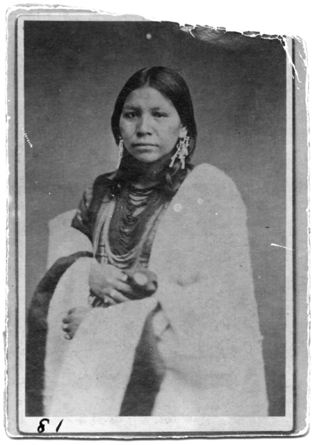 Unidentified Ojibwe woman, about 1885. Source: MNHS Collections.