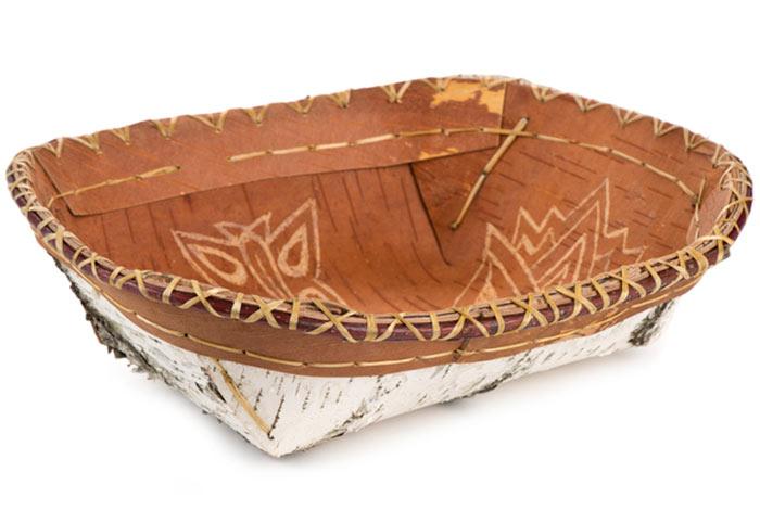 Nooshkaachinaagan (winnowing tray).