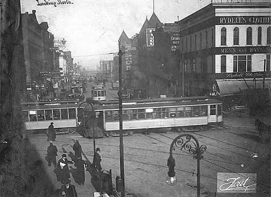 Photo of Washington Avenue looking north from Hennepin Avenue, 1910.