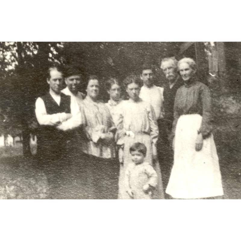 George and Sarah Baird family, 1900-1910.