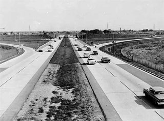 Looking south into Bloomington on I-35W at grade separation of I-35W and 78th Street, Richfield, Minnesota, Hennepin County, Project I-35W, 1959.