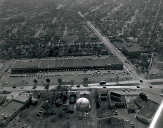 Aerial, Miracle Mile Shopping Center, St. Louis Park, 1953.