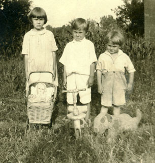 Photo: The three Bowers children (left to right): Millie, Harry, and David, 1929.