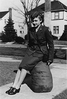 Anne Bosanko Green in uniform, Minneapolis, 1945.