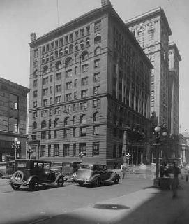 Photo: First National Bank and Trust company, Fifth Street and Second Avenue South, Minneapolis, 1936.