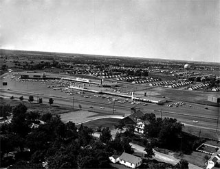 Knollwood Plaza Shopping Center, St. Louis Park, 1956.