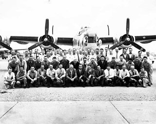 Photo: Crew of Modification Center at Holman Field, St. Paul, 1944.
