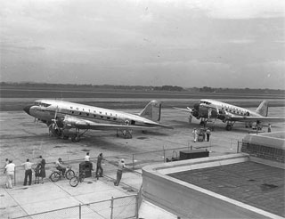 Photo: Northwest Airlines airplanes at Wold-Chamberlain Field, Minneapolis, 1941.