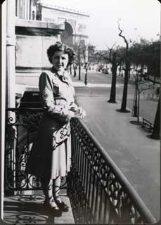 Betty Magnuson Olson in Paris.