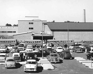 Richfield High School at the end of the school day, 1958.