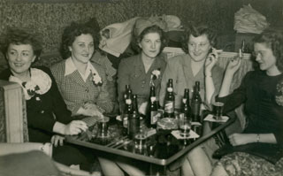 Kae Eisenreich (second from left) with friends, ca. 1940s.