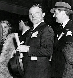 James Cagney and Kenneth Thompson in Minneapolis with the Hollywood Victory Caravan. Photographer: Minneapolis Tribune Photograph Collection 1942 Location no. E448.11 p9