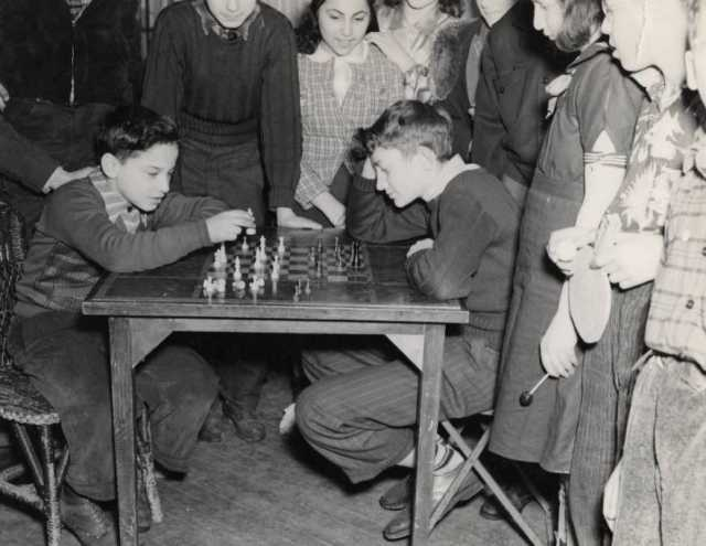 Cess game at the Jewish Educational Center, Saint Paul c.1930.