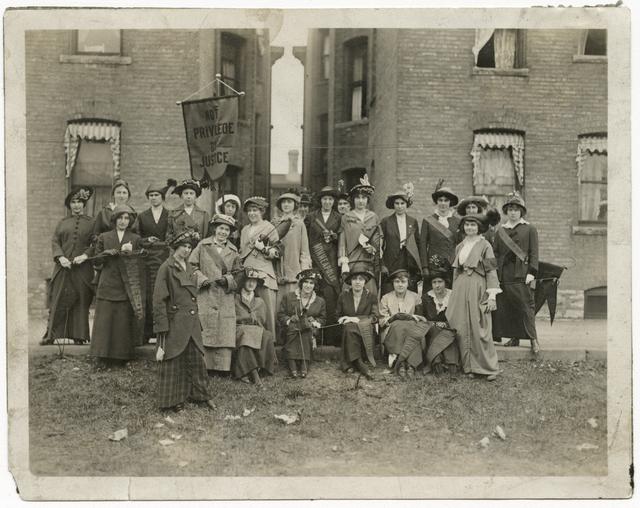 Women's suffrage club, 1913