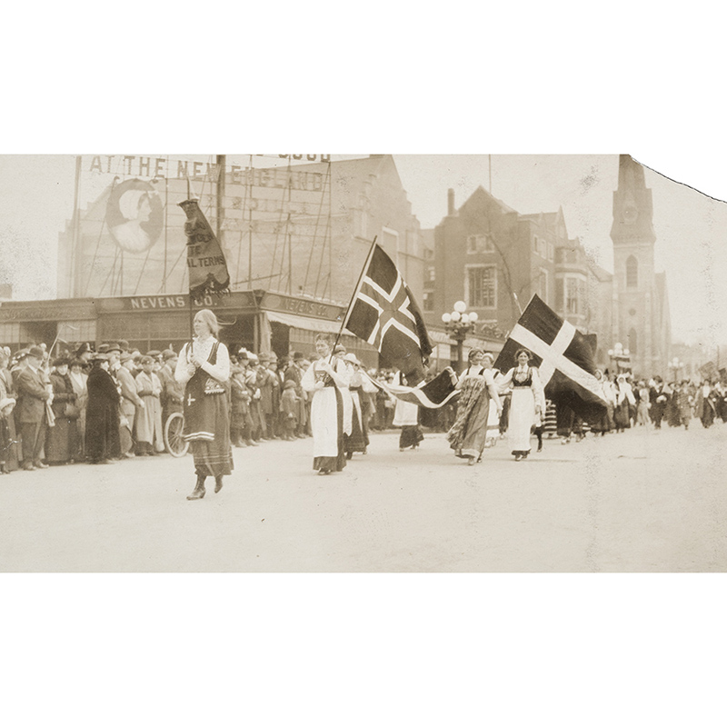Suffrage March, Minneapolis, 1914.