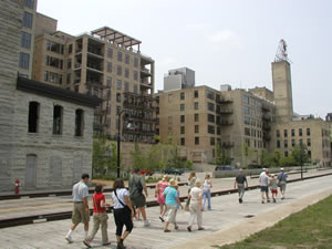 Walking tours at Mill City Museum
